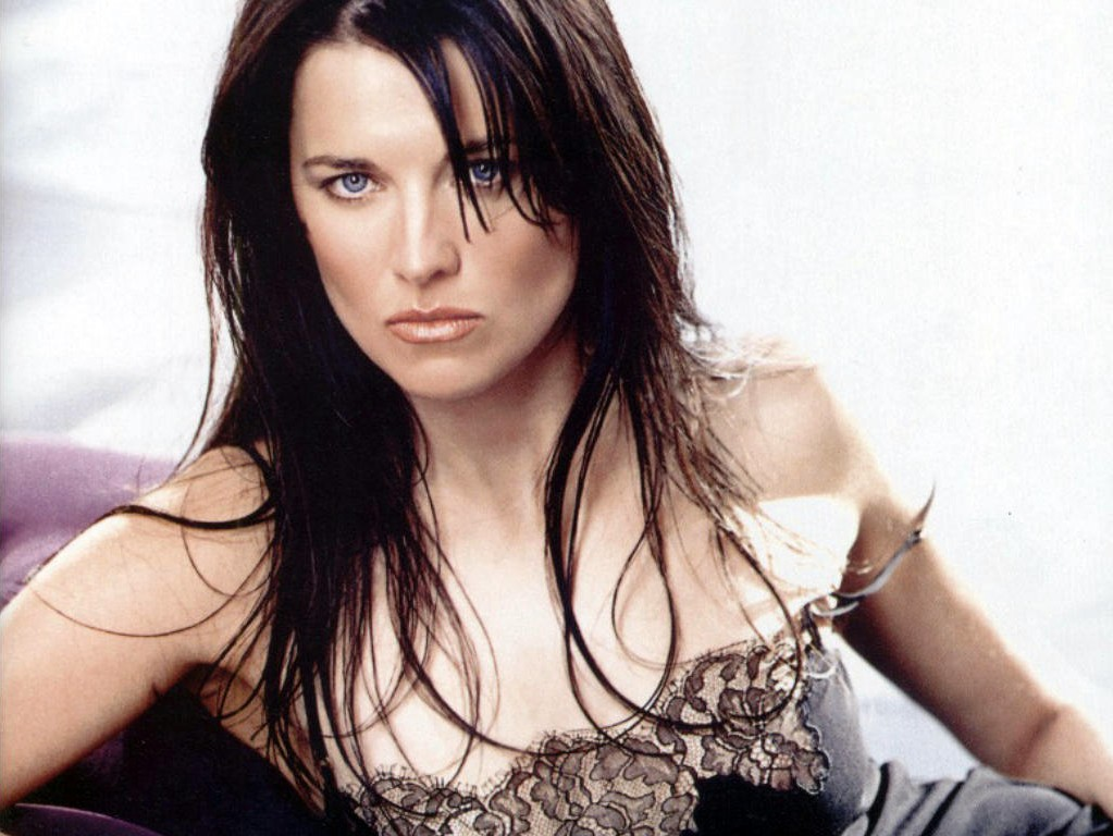 Seven Stars World: Lucy Lawless