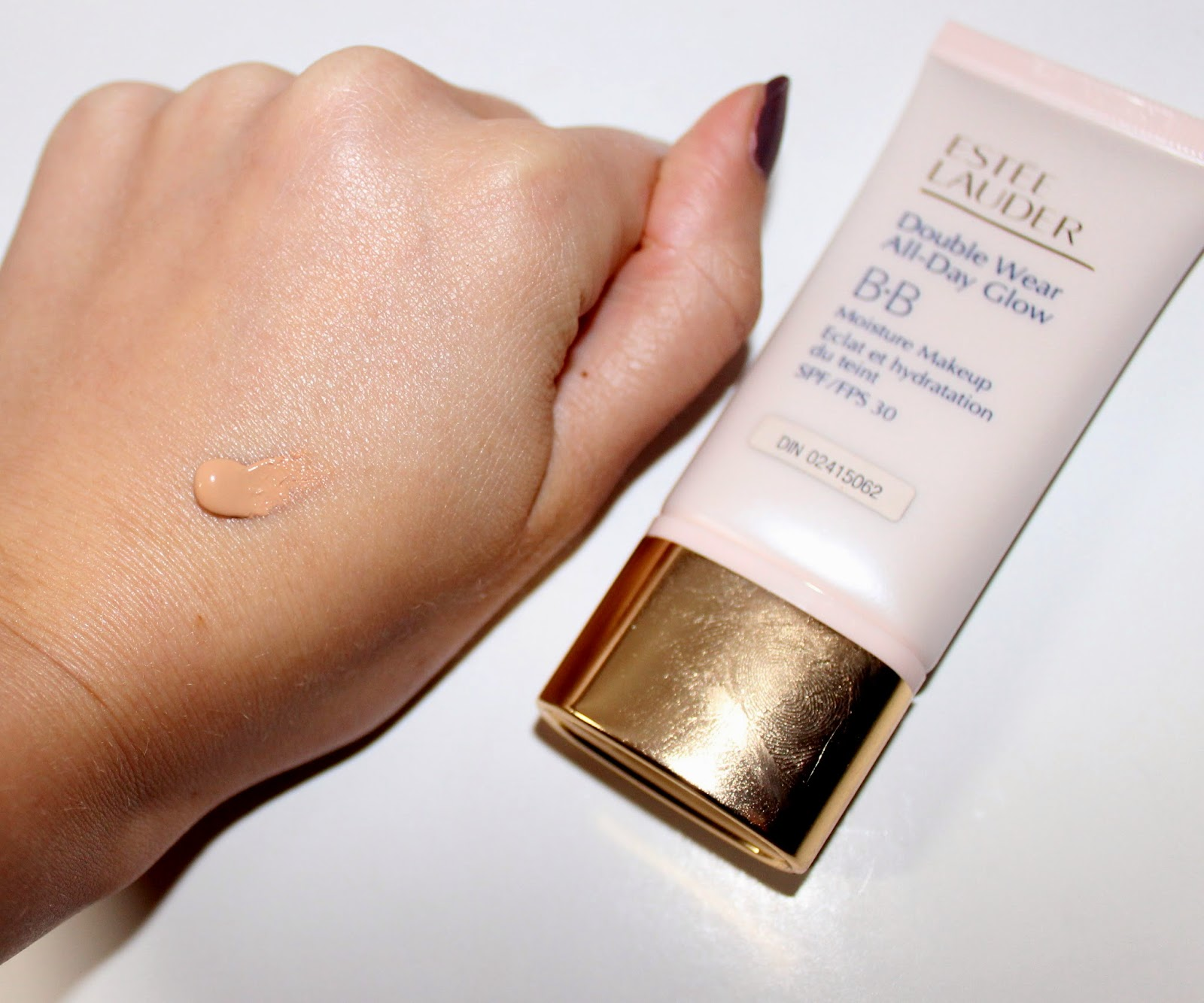 Estée Lauder Double Wear All-Day Glow BB Moisture Makeup SPF 30 Swatch