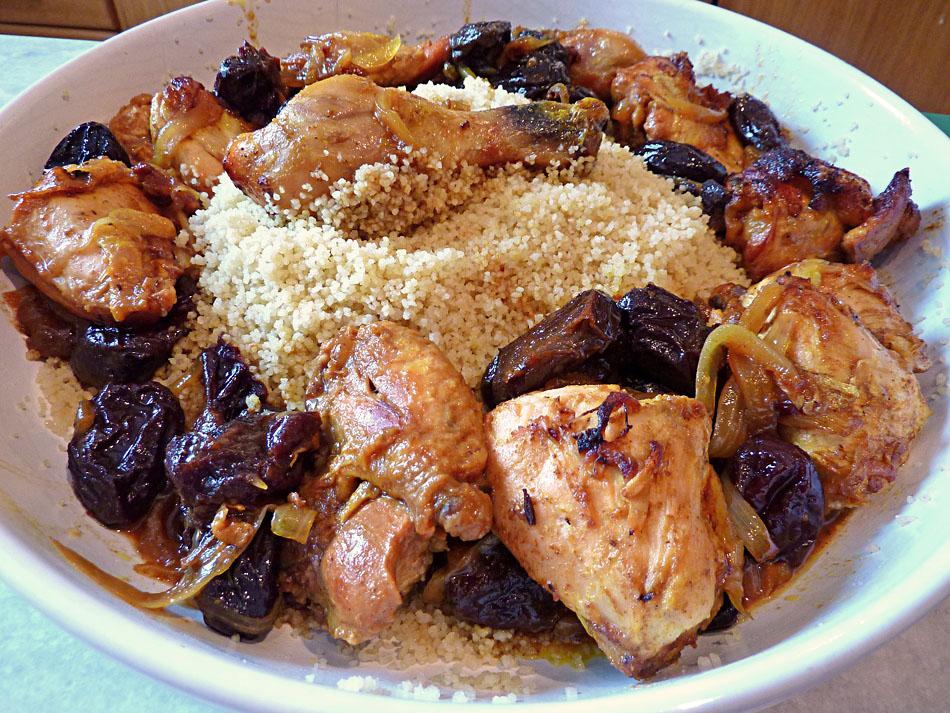 Living the life in Saint-Aignan: Tajine de poulet aux pruneaux