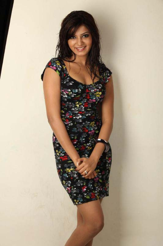 Samantha in black dress - Samantha in Black Dress - Photoshoot