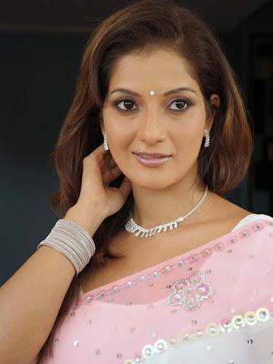 ruthika in saree photo gallery