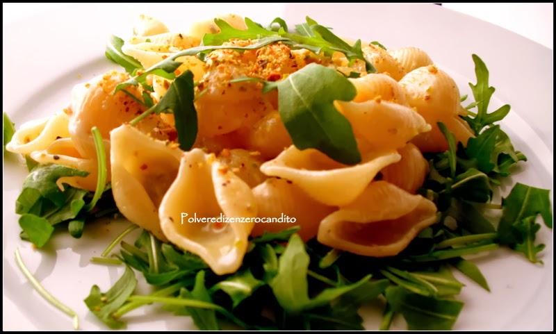 conchiglie alla crema di gorgonzola con rucola e granella di pistacchi