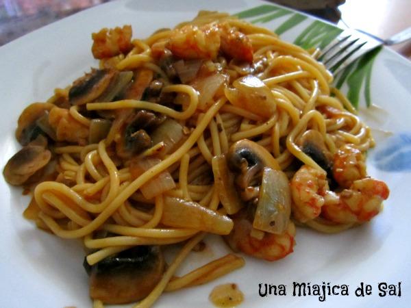 Una miajica de sal spaghetti con gambas y champi ones - Espaguetis con gambas y champinones ...