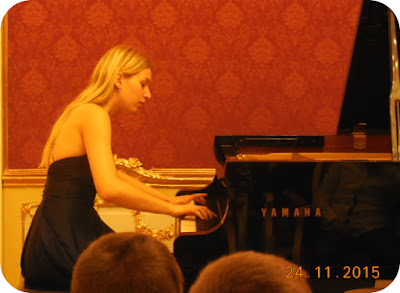 Hackitele unei improvizatii la pian, dezvaluite de Katharina Hack