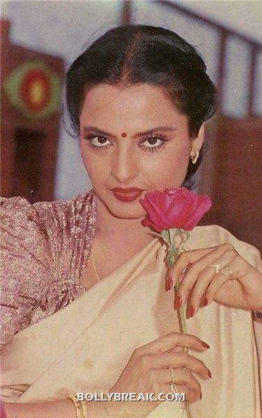 rekha with rose in hand - (12) - Rekha Hot Pics - 1980's 1970's Rekha Photo Gallery