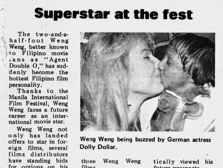 Weng Weng trifft auf Dolly Dollar beim Manila Film Festival. Quelle: unbekannt