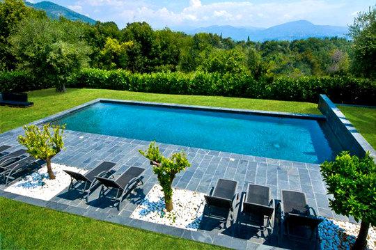 Casas minimalistas y modernas ultimas piscinas minimalistas for Piscinas modernas minimalistas