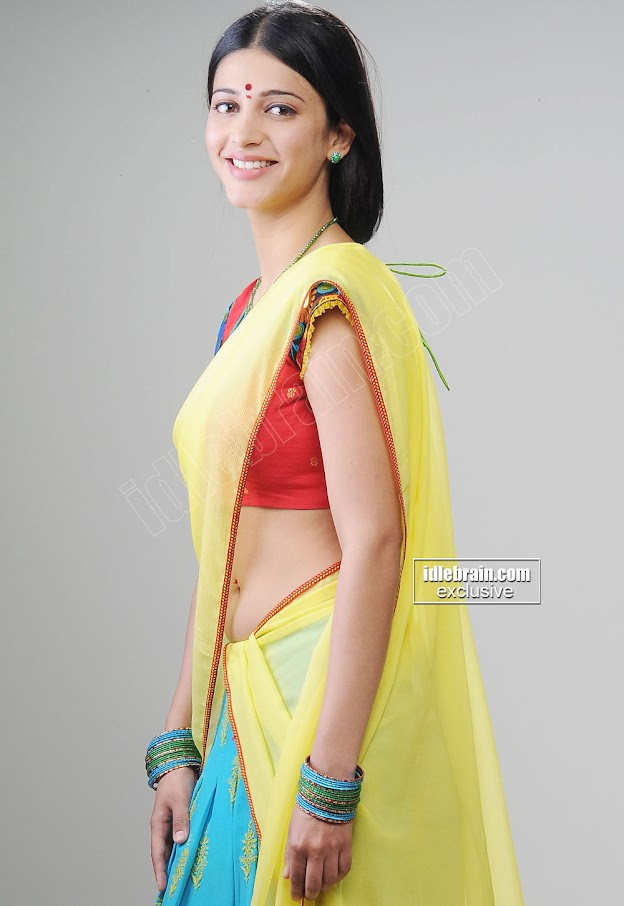 Shruthi Hassan navel show in saree -  Shruthi Hassan Cute Saree Photos - Navel Gallery