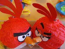 18. Czerwona pinata Angry Birds
