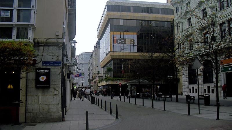 Calle e Hernán Cortés en Santander