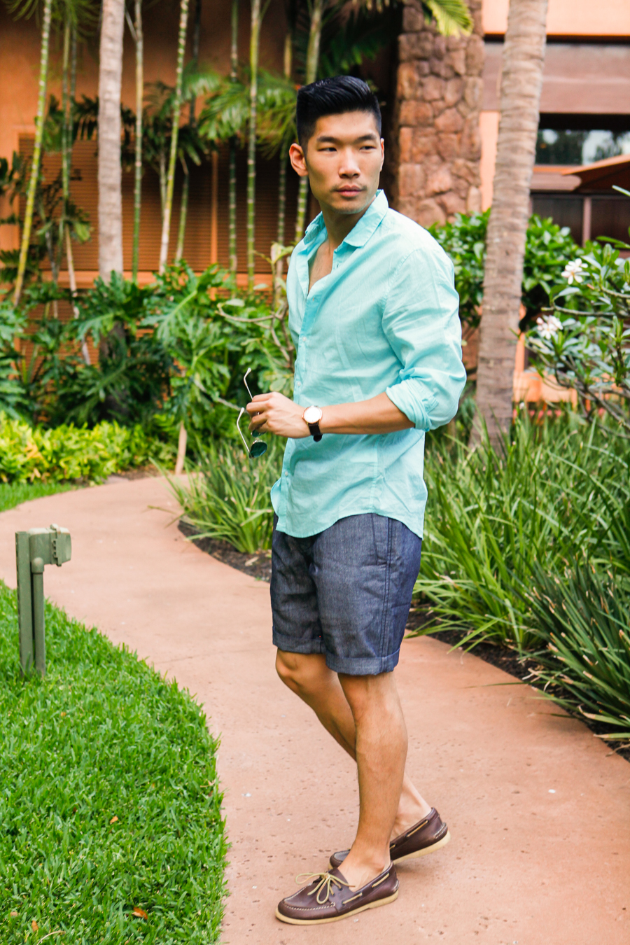 Levitate Style | Starlit Hawaii Summer Night Outfit with Onassis, H&M, Sperry at Aulani Disney Resort