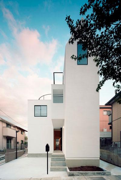 House k dise o de una casa delgada construye hogar for Diseno de casas angostas
