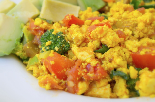 THE SIMPLE VEGANISTA: Southwestern Tofu Scramble
