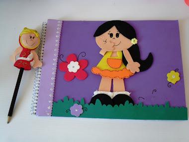 Caderno e Lapis ponteira