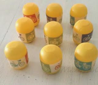 http://handbox.es/diy-con-ninos-memory-sonoro-reciclar-capsulas-de-huevos-sorpresa