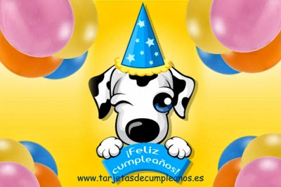 Perro guiñando el ojo feliz cumpleaños