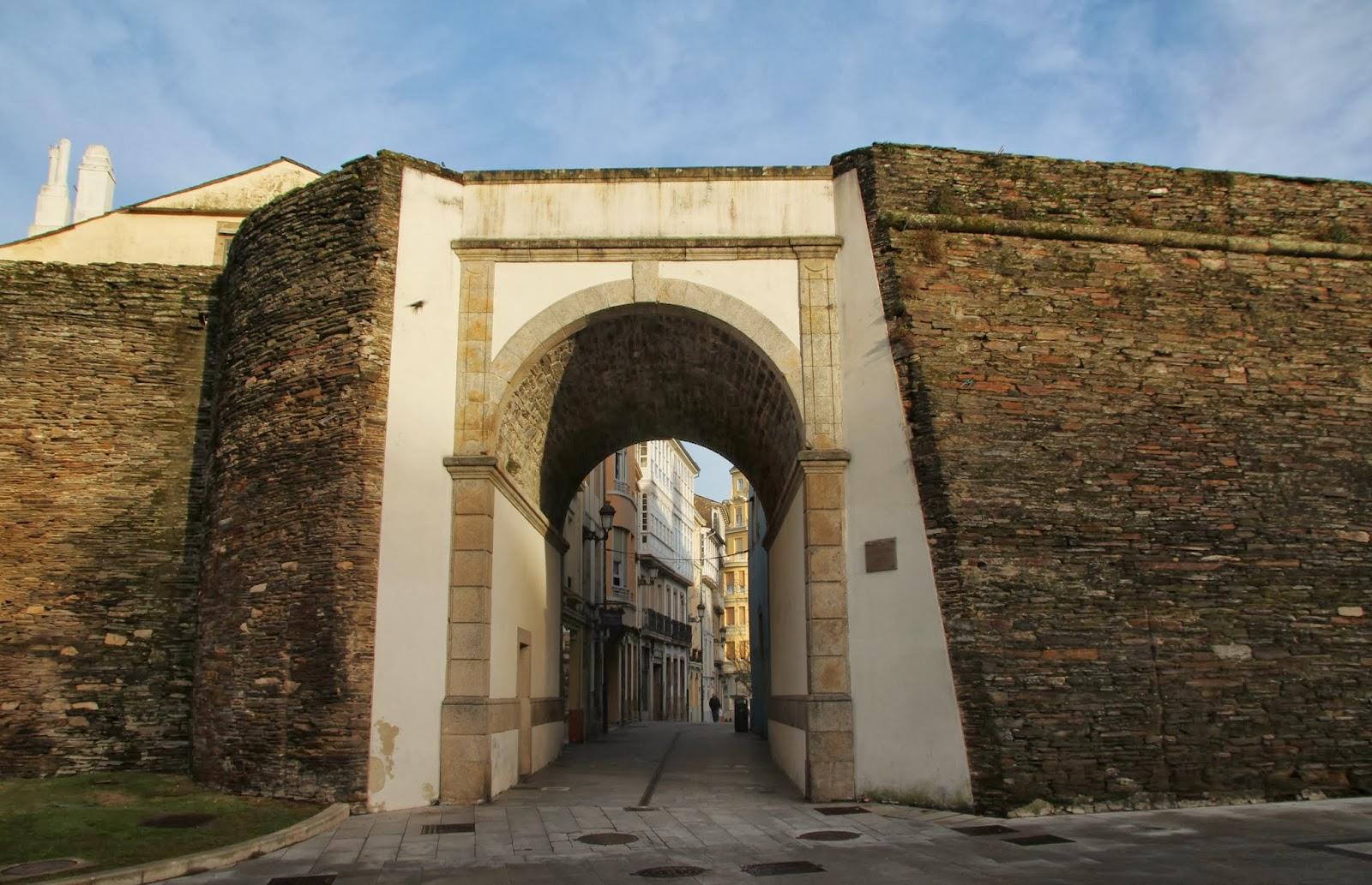 Rumbo a gran sol abre la muralla for Puerta 7 campo de mayo
