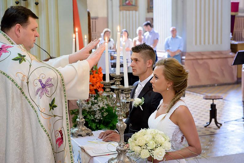 kunigo palaiminimas per vestuves