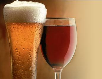 Sisi positif dan negatif minuman alkohol. Manfaat minuman alkohol.