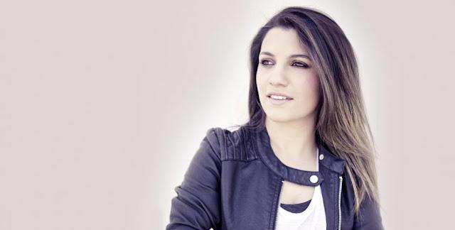 Sanremo 2016 - Deborah Iurato e Giovanni Caccamo - Via da qui