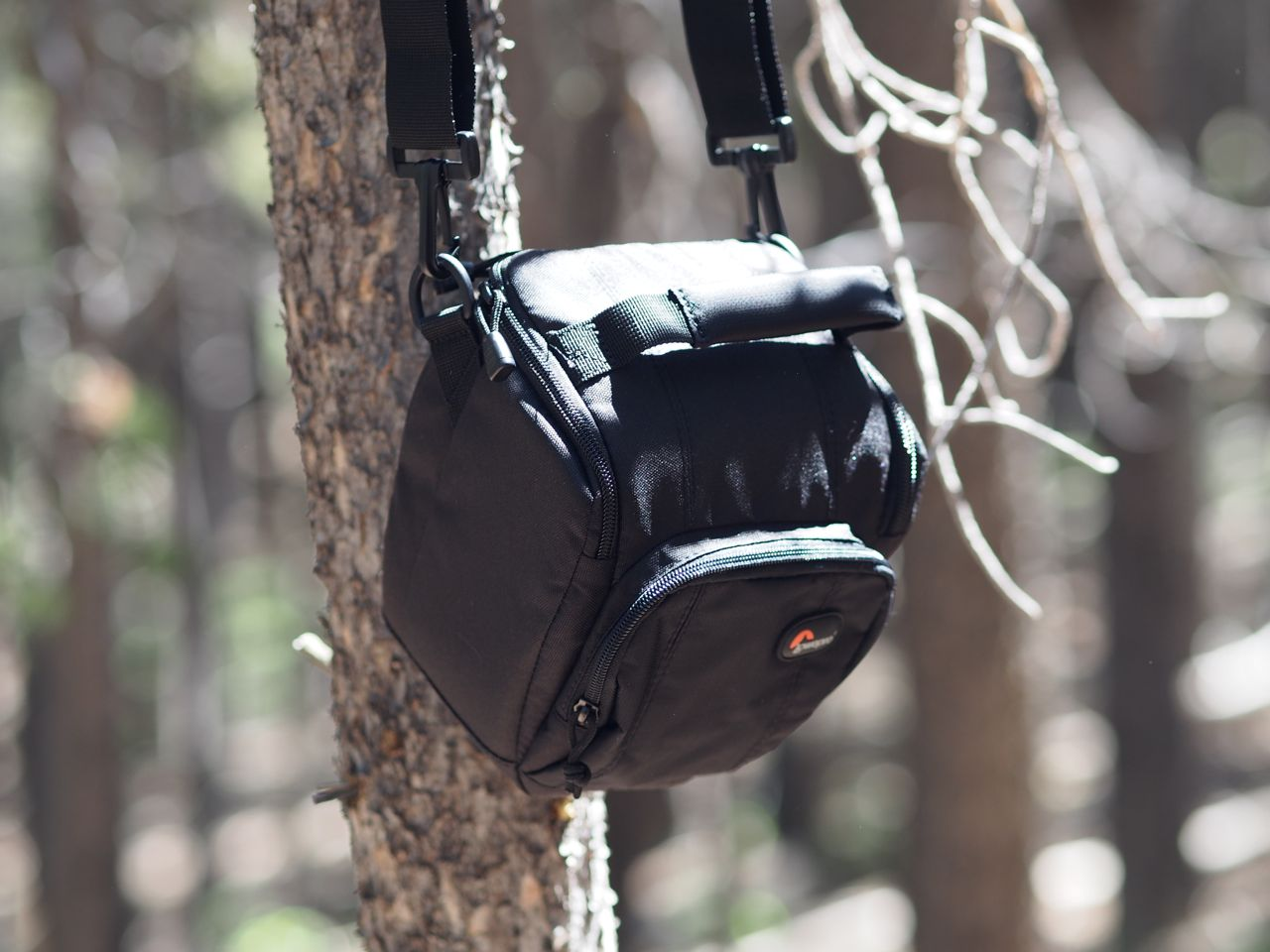 Review Lowepro Toploader Zoom Aw Ii Camera Bag Robonza 55 Black But It Is More Than Just An Insert A Great Stand Alone I Have Used For Travel And Short Hikes With The Pups