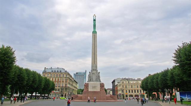 Time-lapse de Riga a capital da Letônia