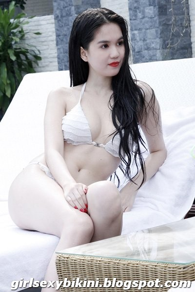 Ngoc Trinh showing sexy figure in the first film