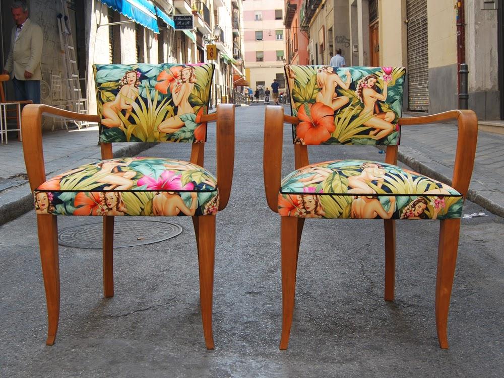 La tapicera sillas a os 50 tapizadas con tela de pin ups for Telas para tapizar sillas comedor