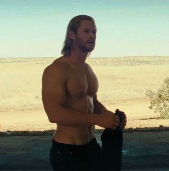 chris hemsworth shirtless gif 