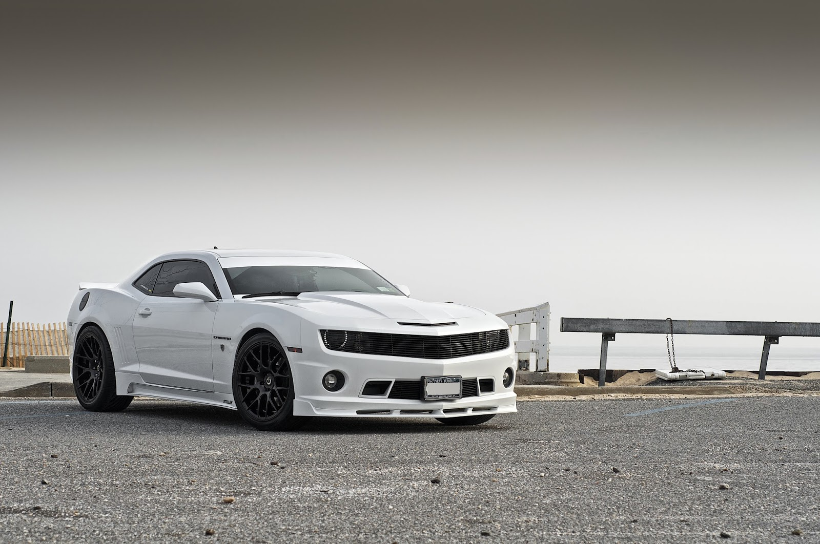 Chevrolet white color wallpaper for desktop