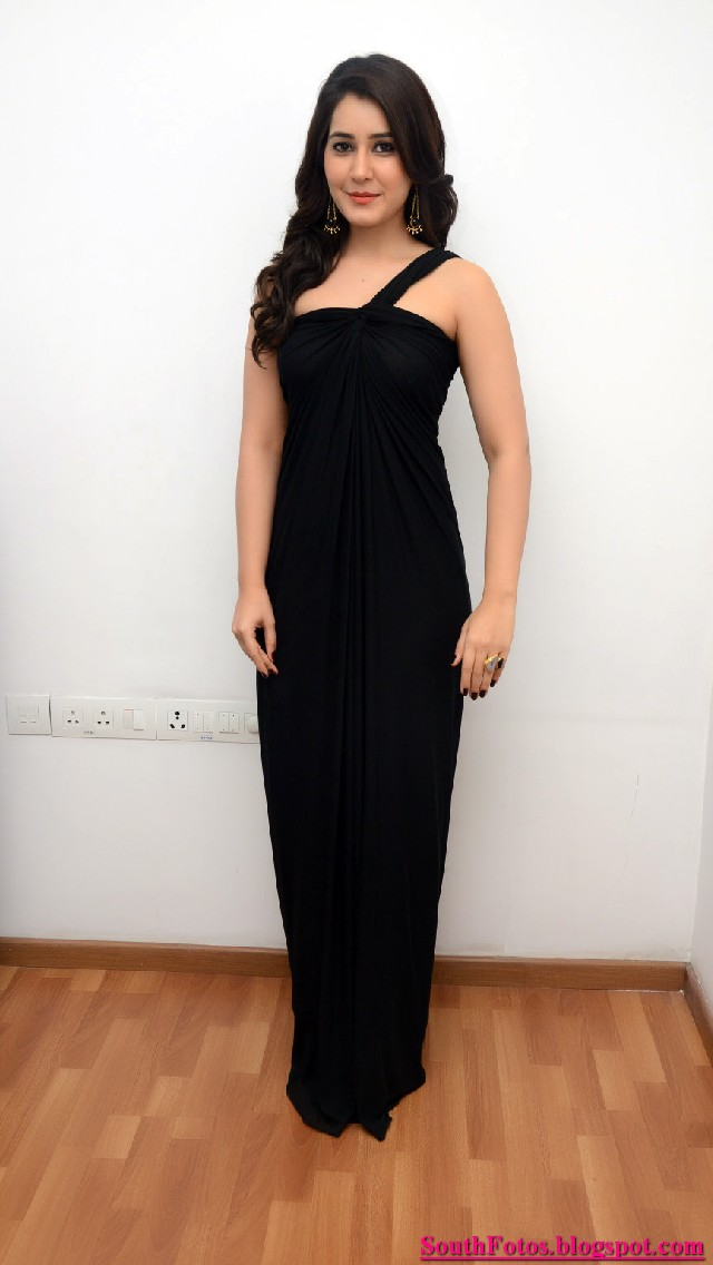 Rashi Khanna Latest Hot Pics