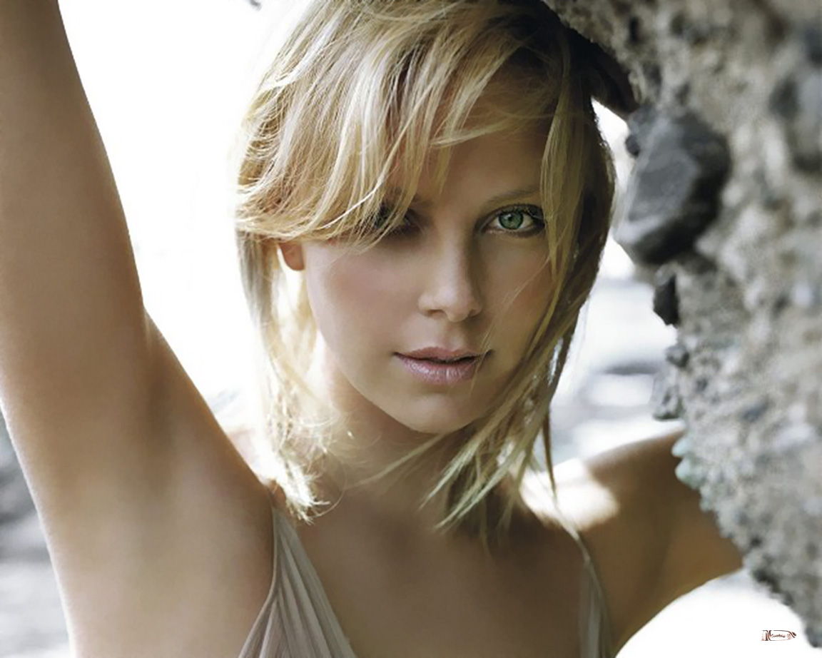 Charlize theron portrait wallpaper