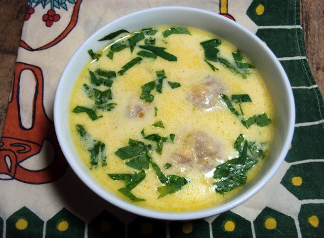 Szybka zupa z serków topionych z pulpecikami