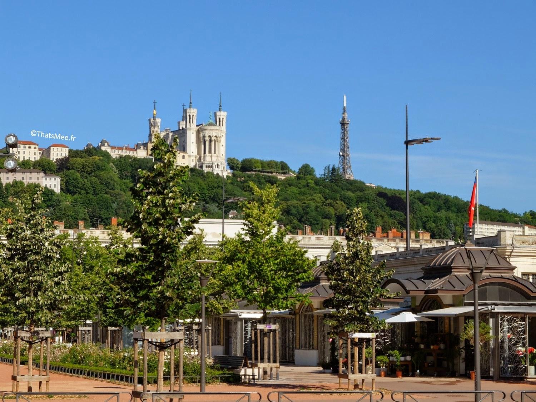 Lyon, Notre-Dame de Fourvière vue Place Bellecour visiter Lyon ThatsMee.fr