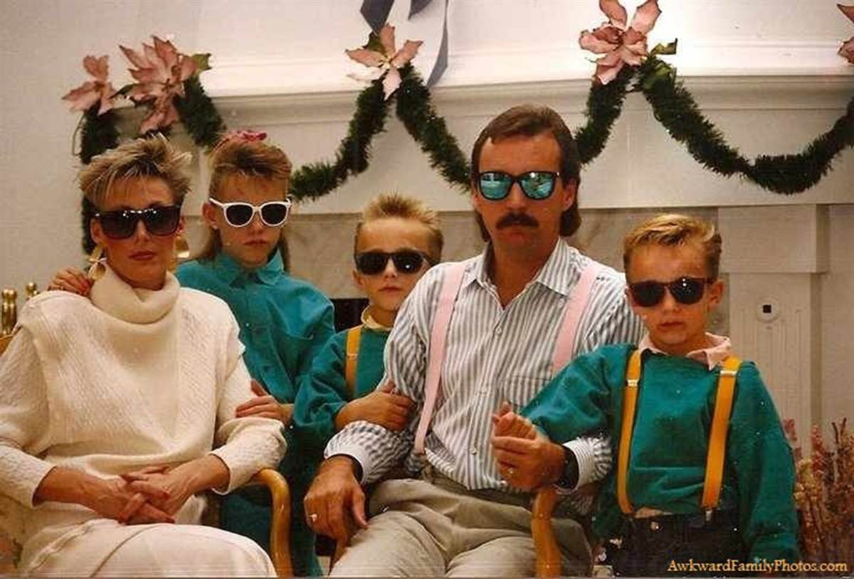 the 30 most awkward family christmas photos ever