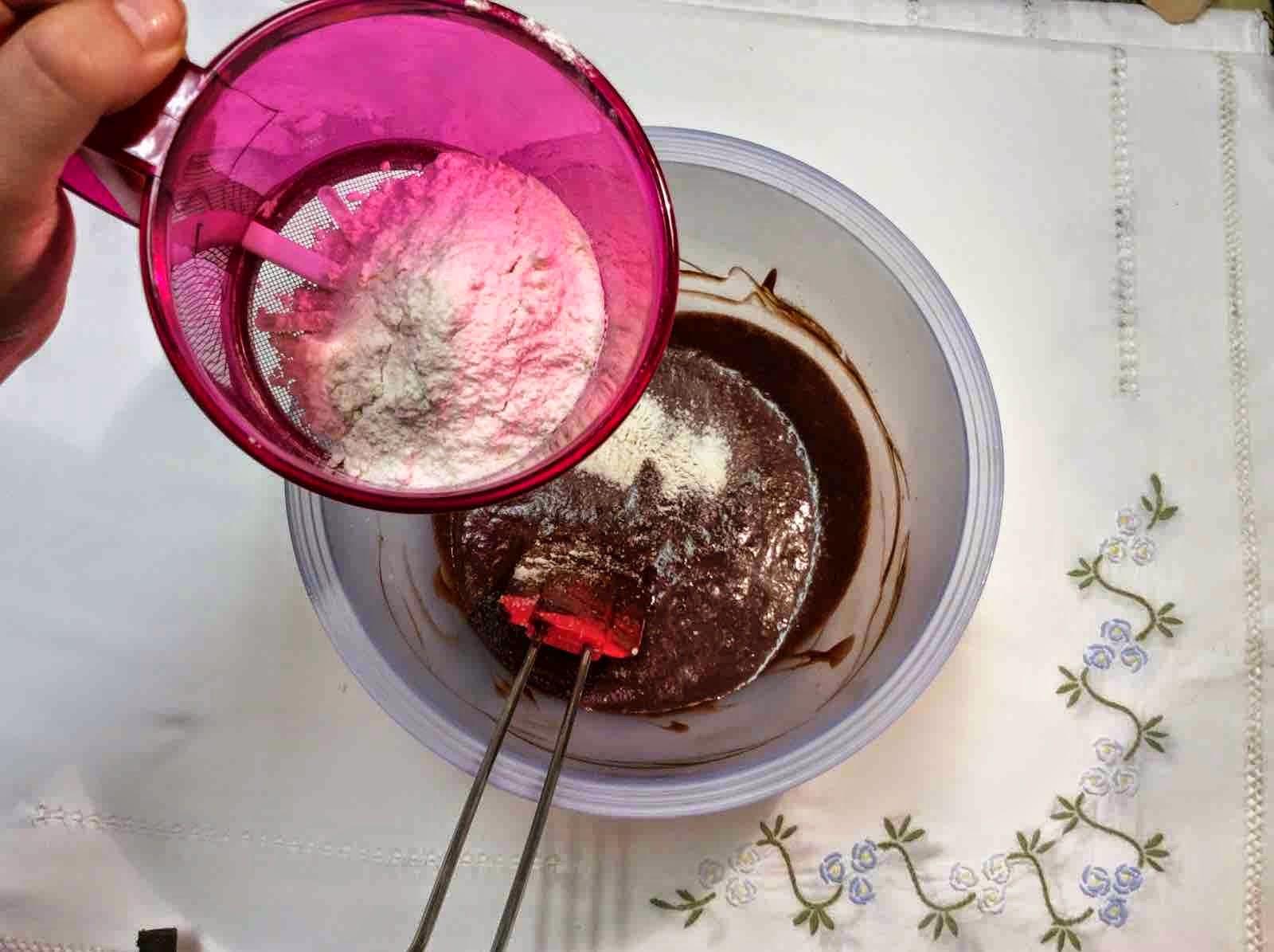 Mezcla a la que se añade harina con un toque de cayena