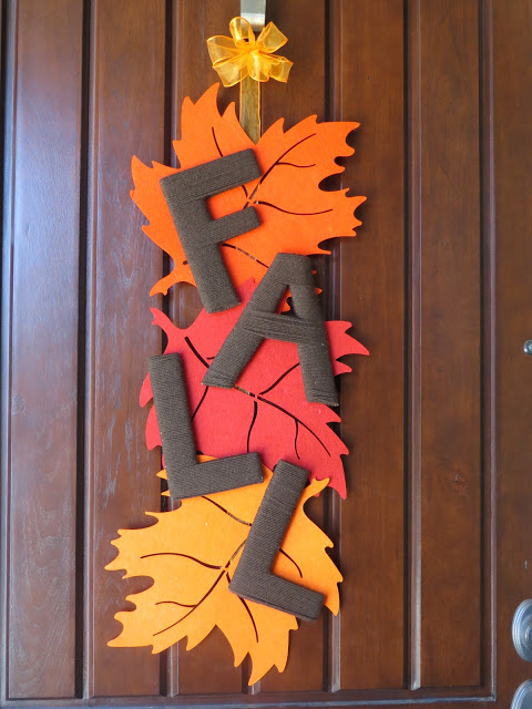 DIY Fall Leaf Door Deocration | The Lovebugs Blog