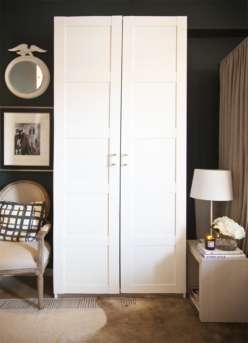 Ikea Schreibtisch Jonas Neupreis ~ Ikea's Pax Bergsbo Wardrobe with Lucite Handles from The Paris