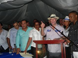 Dice Danilo Medina y el PLD abusan fondos públicos en campaña