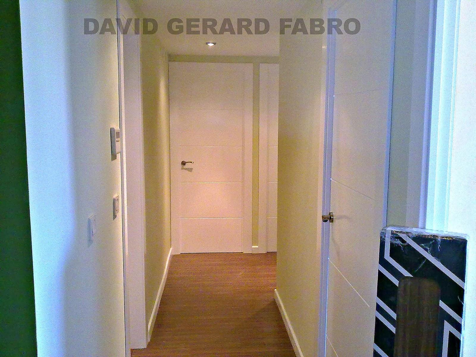 puertas ranuradas blancas con acabado de laca