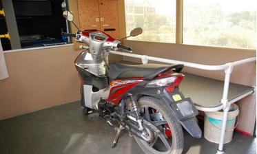 bas ekspress Intercity angkut motosikal