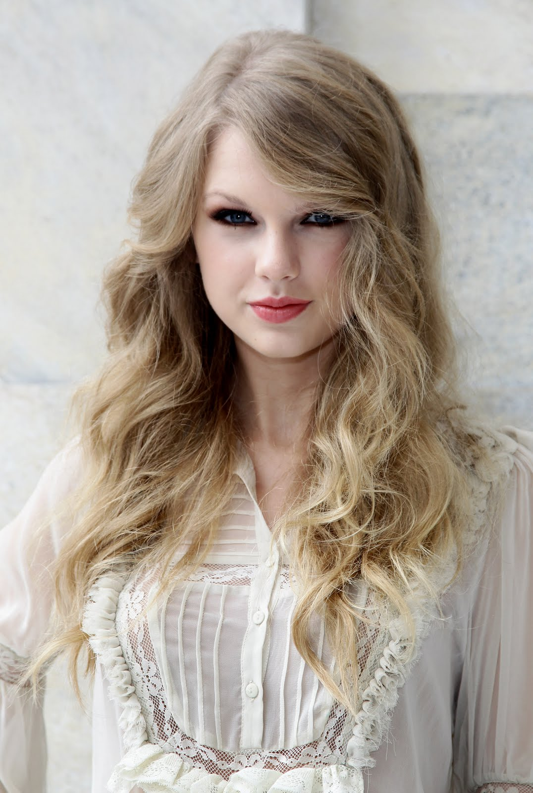 Taylor Swift Sophisticated Look Hollywood S Most
