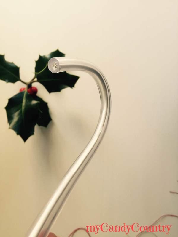 Candy Canes di Natale riciclando un tubo di gomma