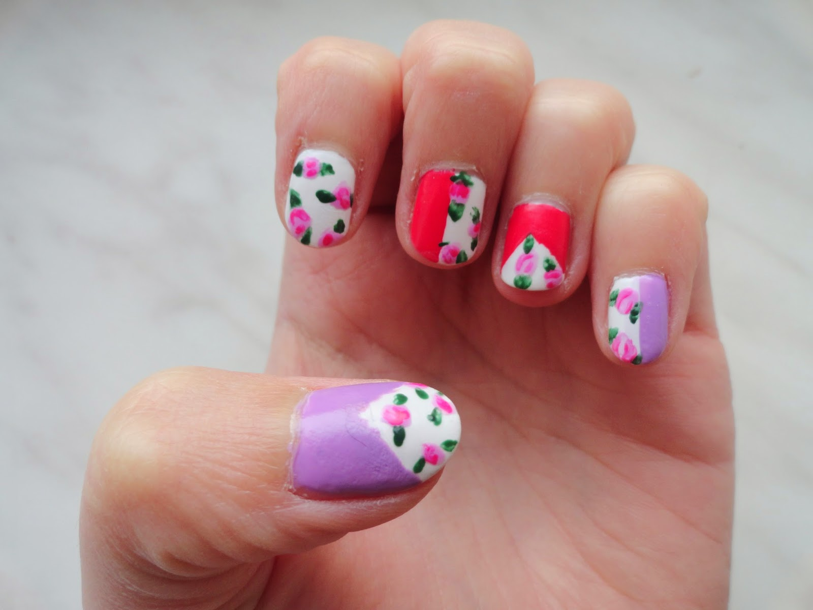 Clothes & Dreams: NOTD: floral, stripes and triangles: full nail art