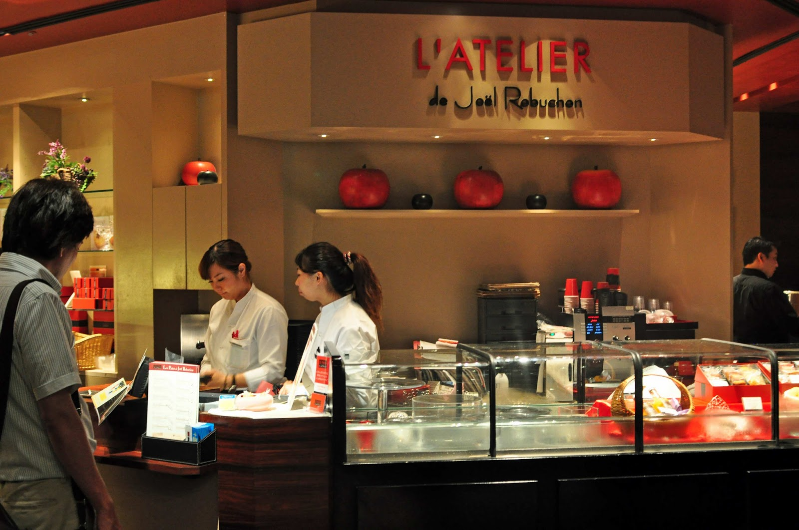 Japan 2012 l 39 atelier de joel robuchon at roppongi hills for Atelier cuisine tours