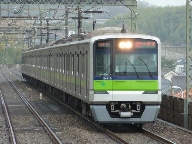 京王電鉄 各停 新線新宿行き 都営10-300形