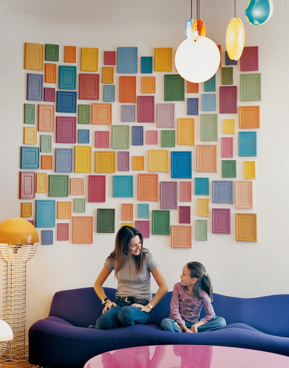 Poppige Designklassiker und kinderfreundliches Design passt perfekt in Pariser Wohnung