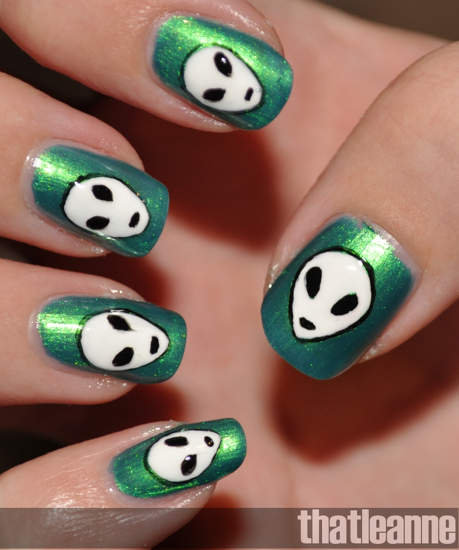 Thatleanne Chococat Nail Art: Thatleanne: The Truth Is Out There: Alien Nail Art