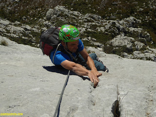 Fernando Calvo, Guia de alta montaña, IFGMA. rab equipment, rab rockover