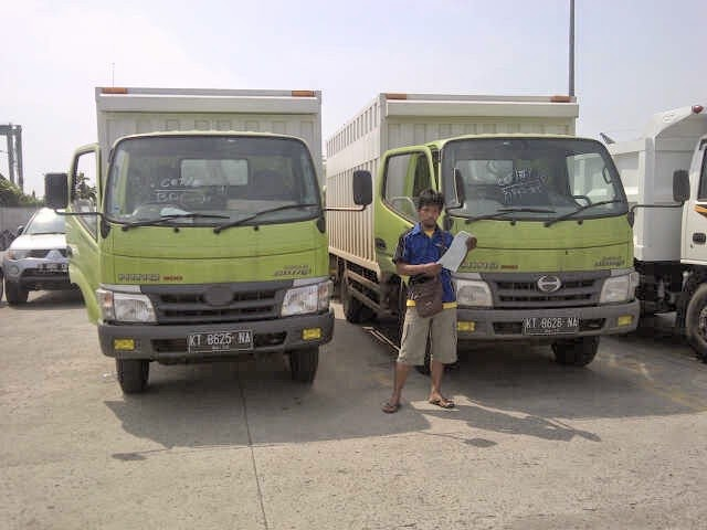 Pengiriman Truk Colt Diesel KT 8625 NA, KT 8626 NA Samarinda - Jakarta ke Pontianak